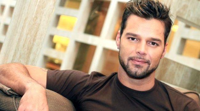 Ricky Martin kimdir? Ricky Martin, Demet Özdemir'i Instagram'da takip etti