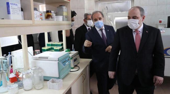 Bakan Varank'tan kritik yerli aşı açıklaması